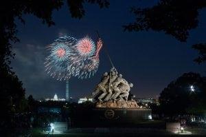1280px-Marine_Corps_War_Memorial_Fireworks_2013